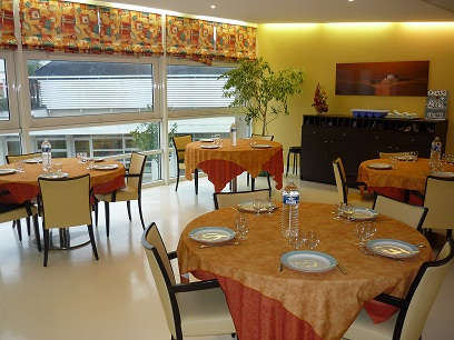 Ehpad Residence Val De Chevre La Salle De Restaurant